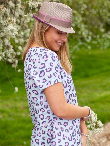 Taupe Sun Hat Lifestyle2