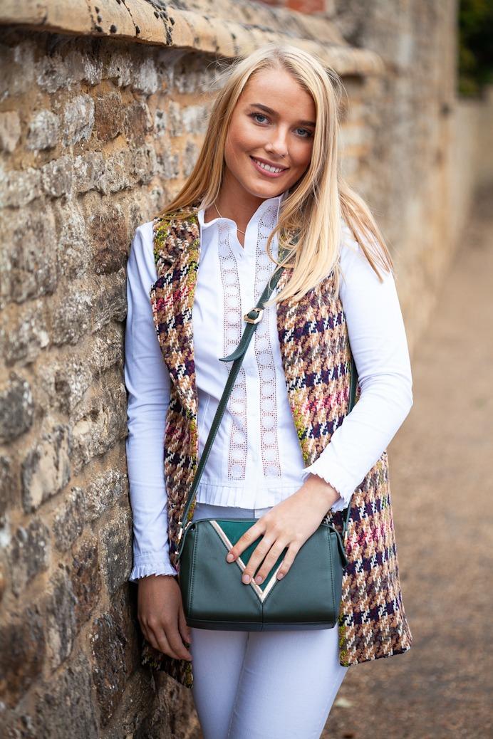 Molly Shirt Lifestyle & waistcoat
