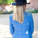 Laura blue back lifetsyle