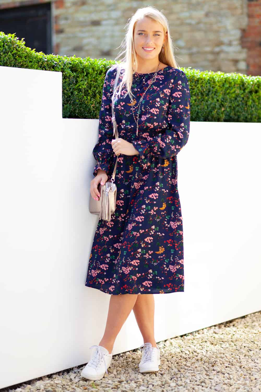 Navy Floral Dress Lifestyle 1re