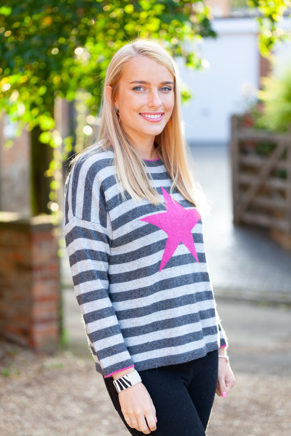 Pink Star Sweater Lifestyle 5