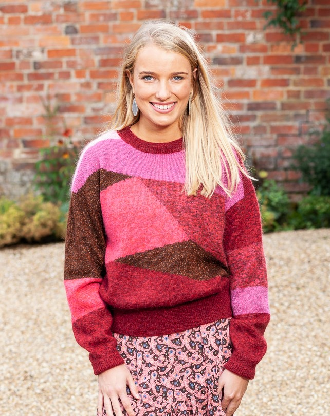 pink sweater lifestyle 1 (2)